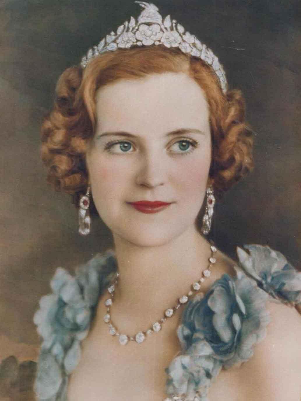 Queen-Geraldine-official-portrait